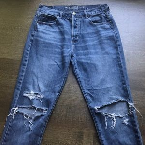 used american eagle size 4 distressed mom jeans